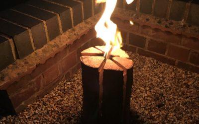 A Swedish log candle (a well seasoned burning log)